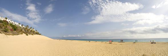 Fuerteventura bietet schöne Sandstrände für einen Badeurlaub